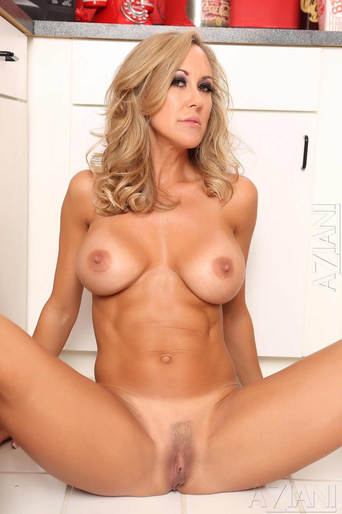 Renee jordan shows off her cameltoe 8