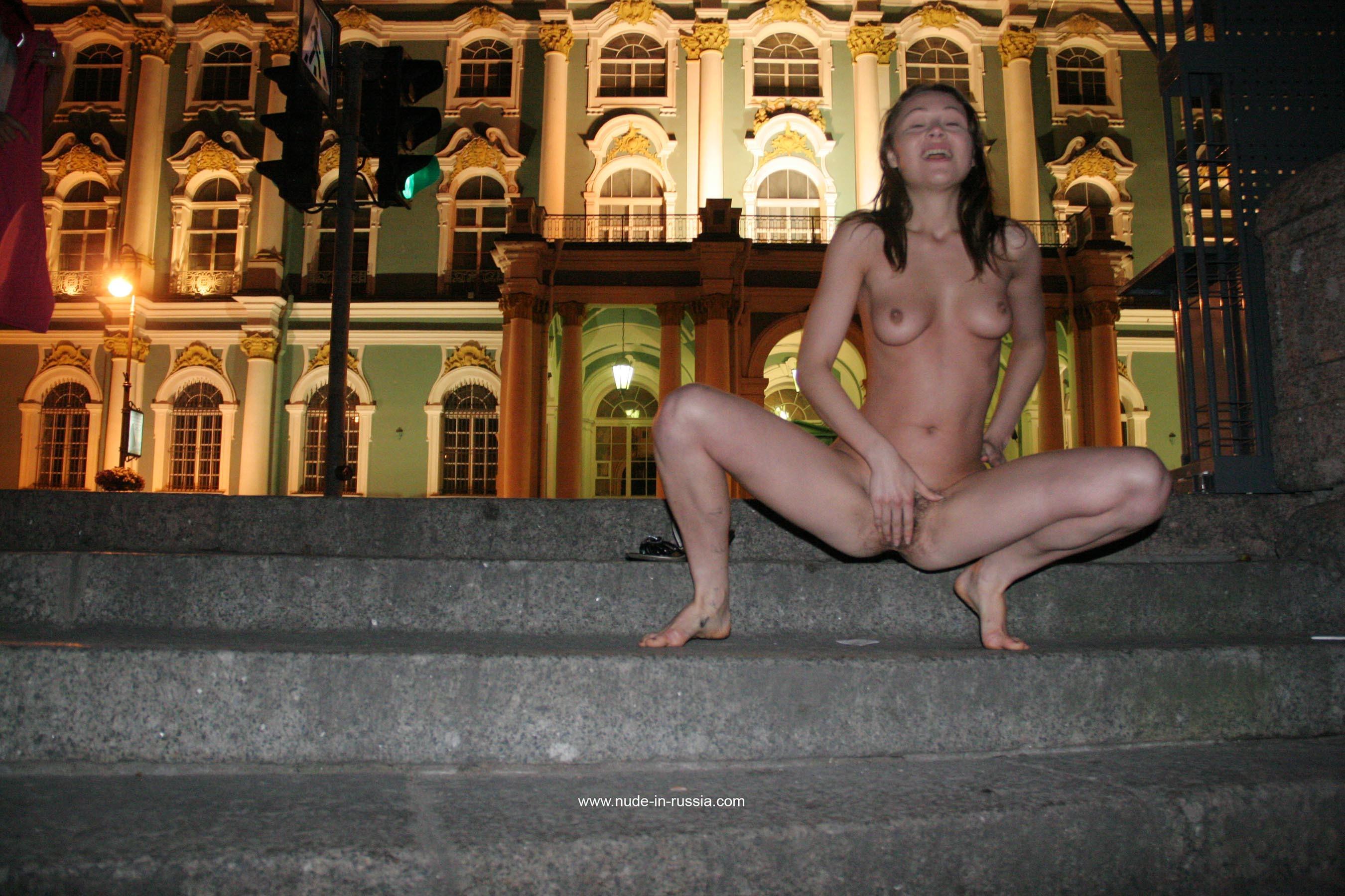 video-seks-s-damami-na-ulitse