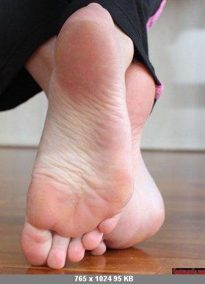 фото потных пальчиков женских ног