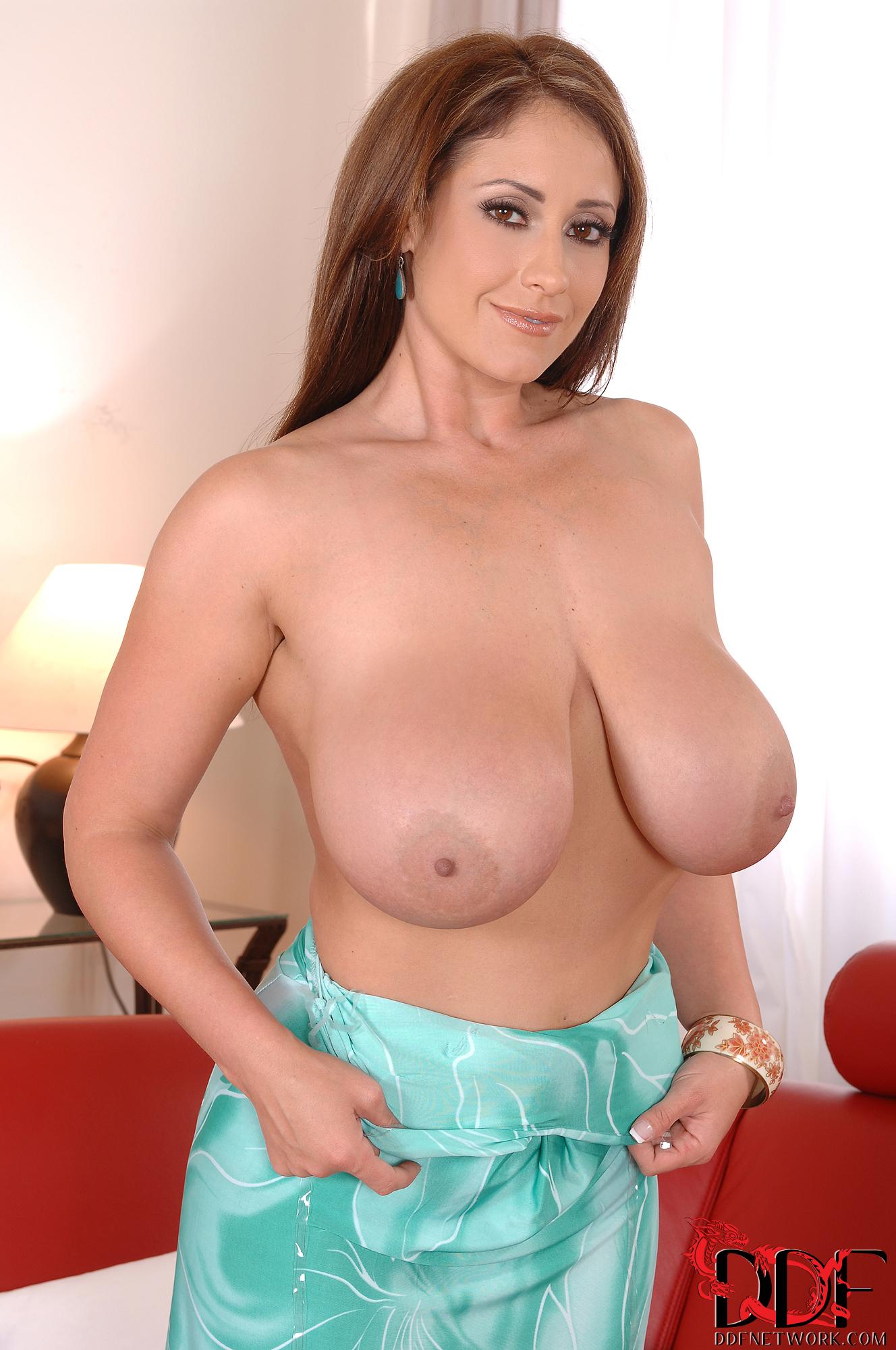 Naked Images Free nip slip boobies coochie upskirt