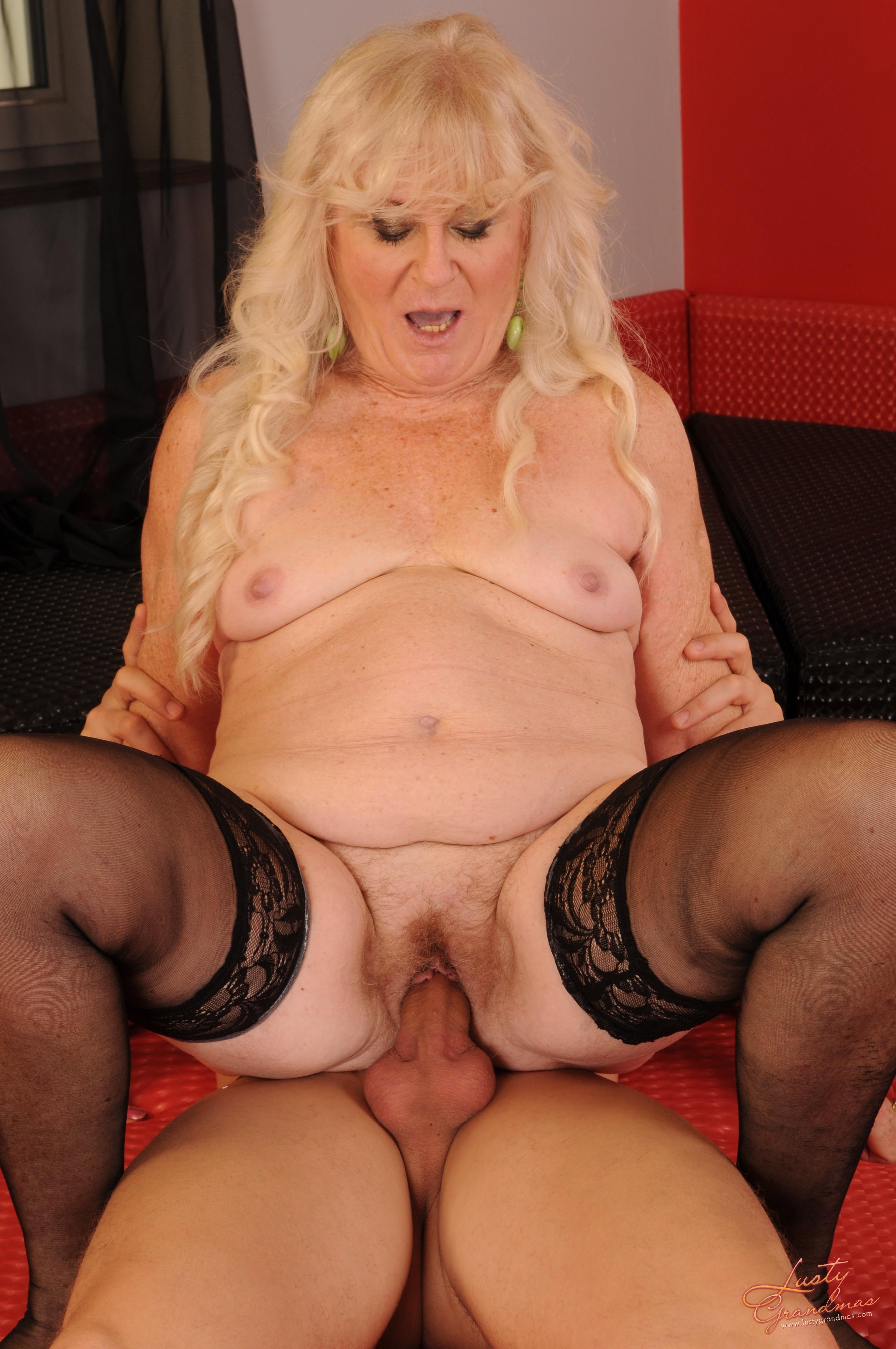 Секс волосатых жирных старух 18 фотография