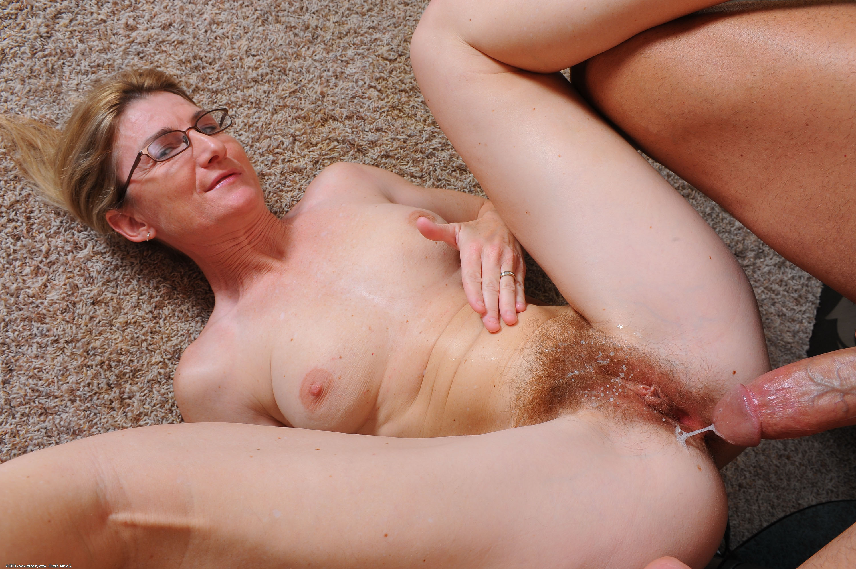 Mature pussies in action, hardcore black sluts free
