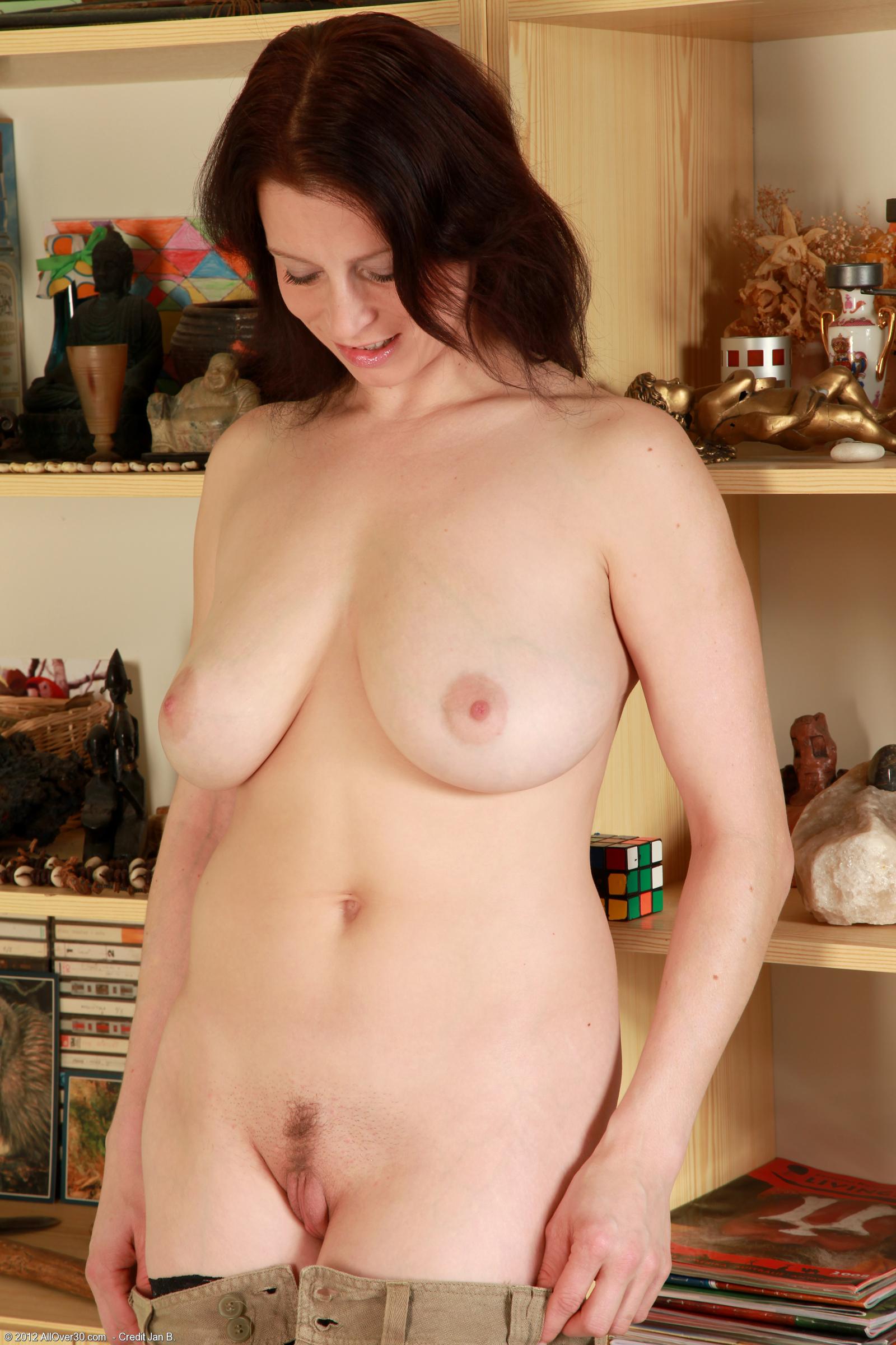 Фото мамашши голые на кухни 8 фотография