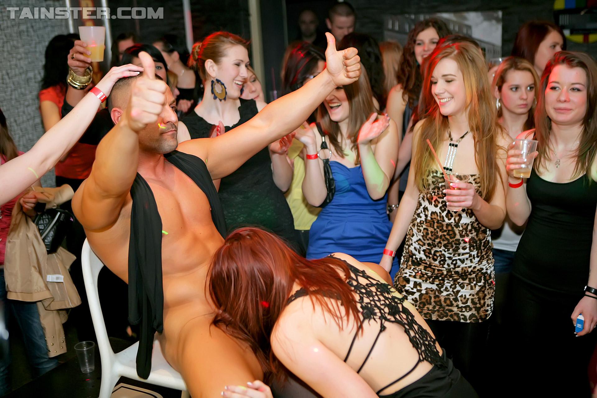 Фото зрелые в ночных клубах 14 фотография