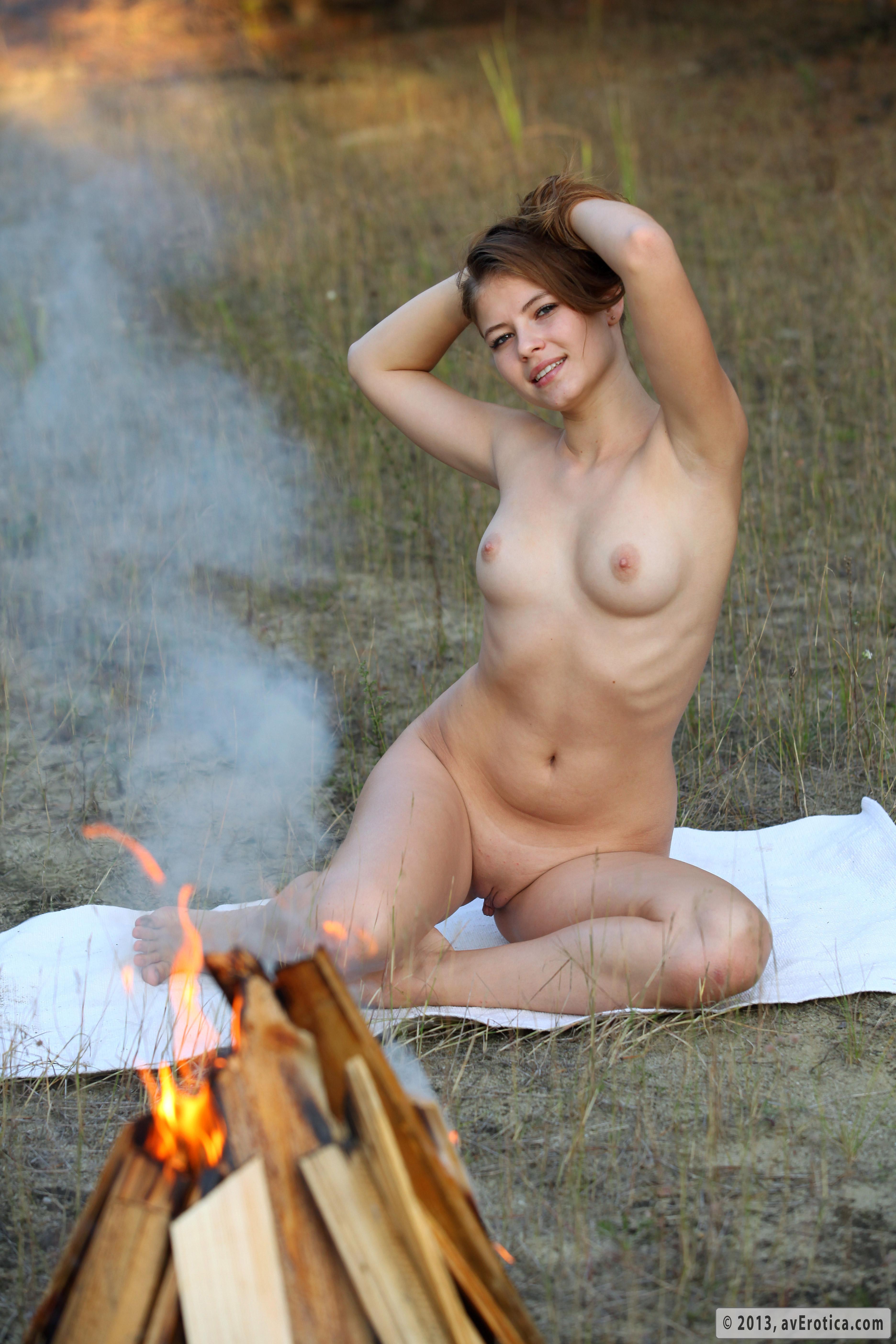 Фото секс на поляне 4 фотография