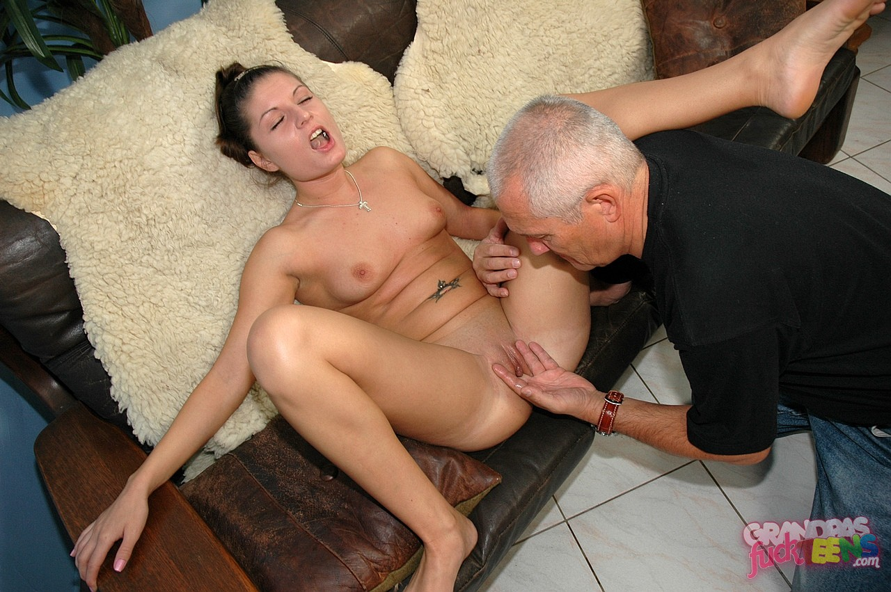 Amazon woman gets anal fucked nsfw scenes