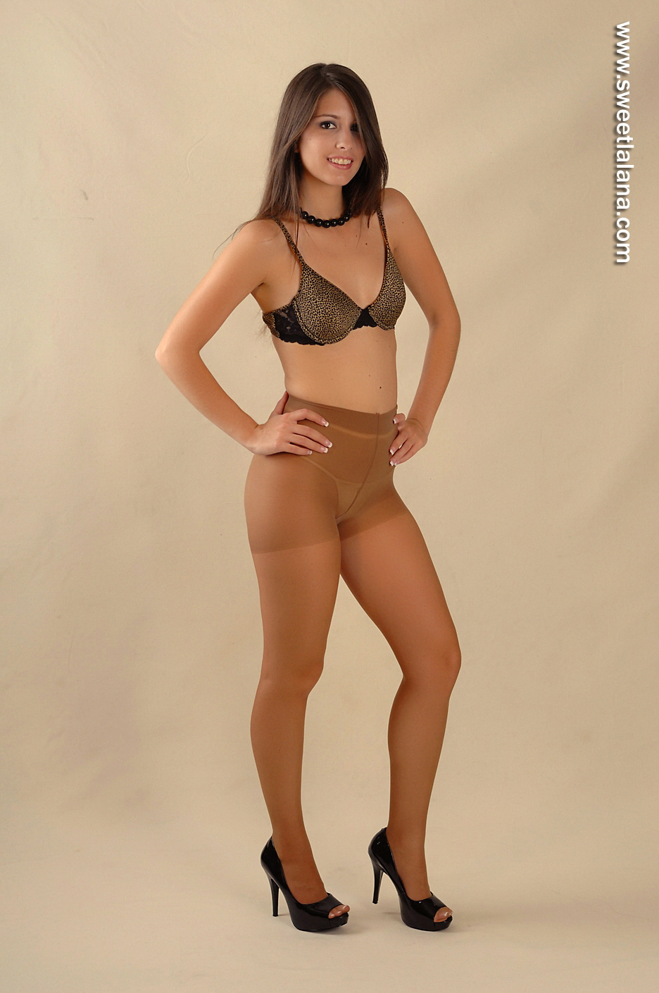 Upload Pantyhose 71