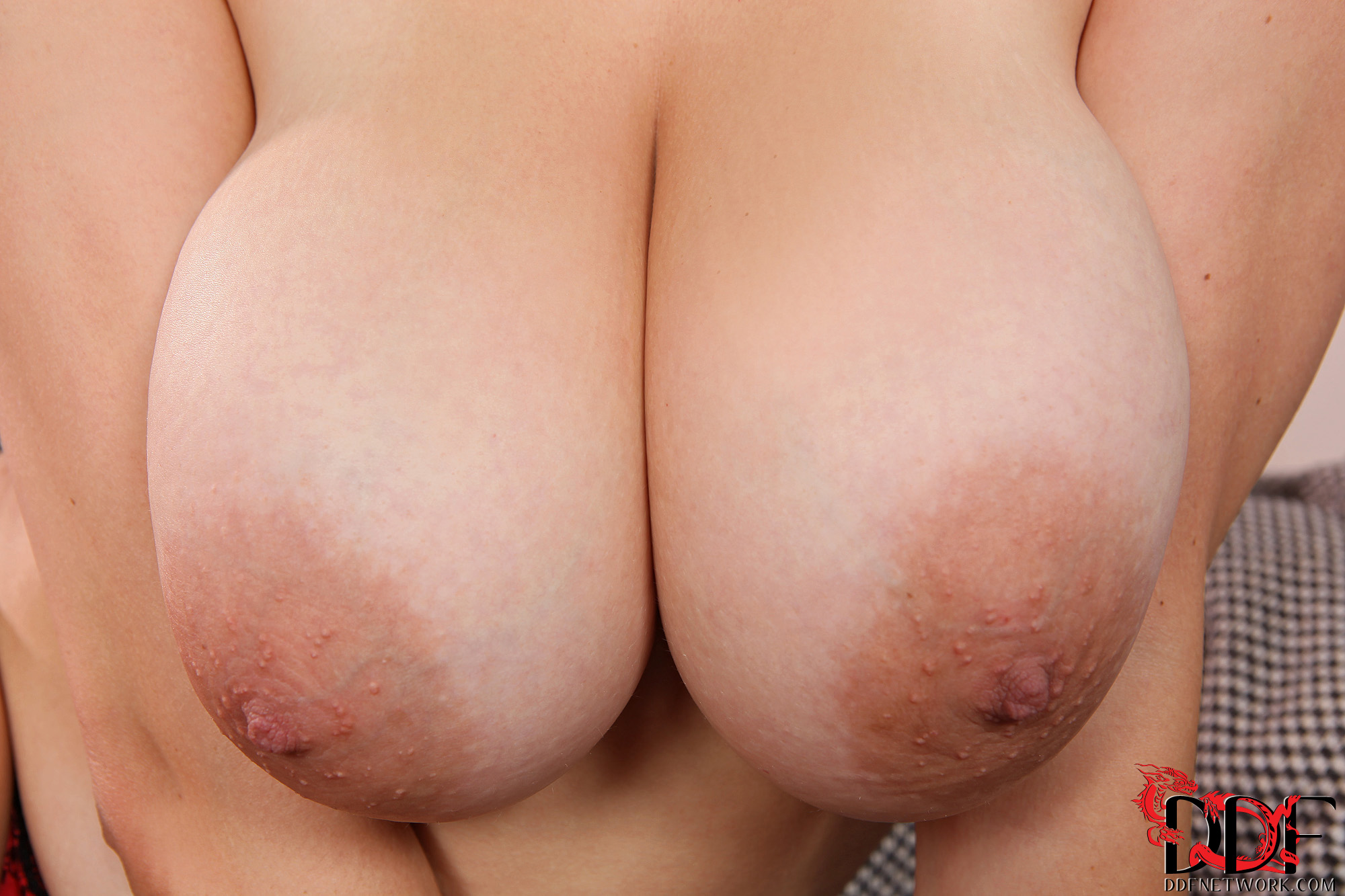 big tits close up pic
