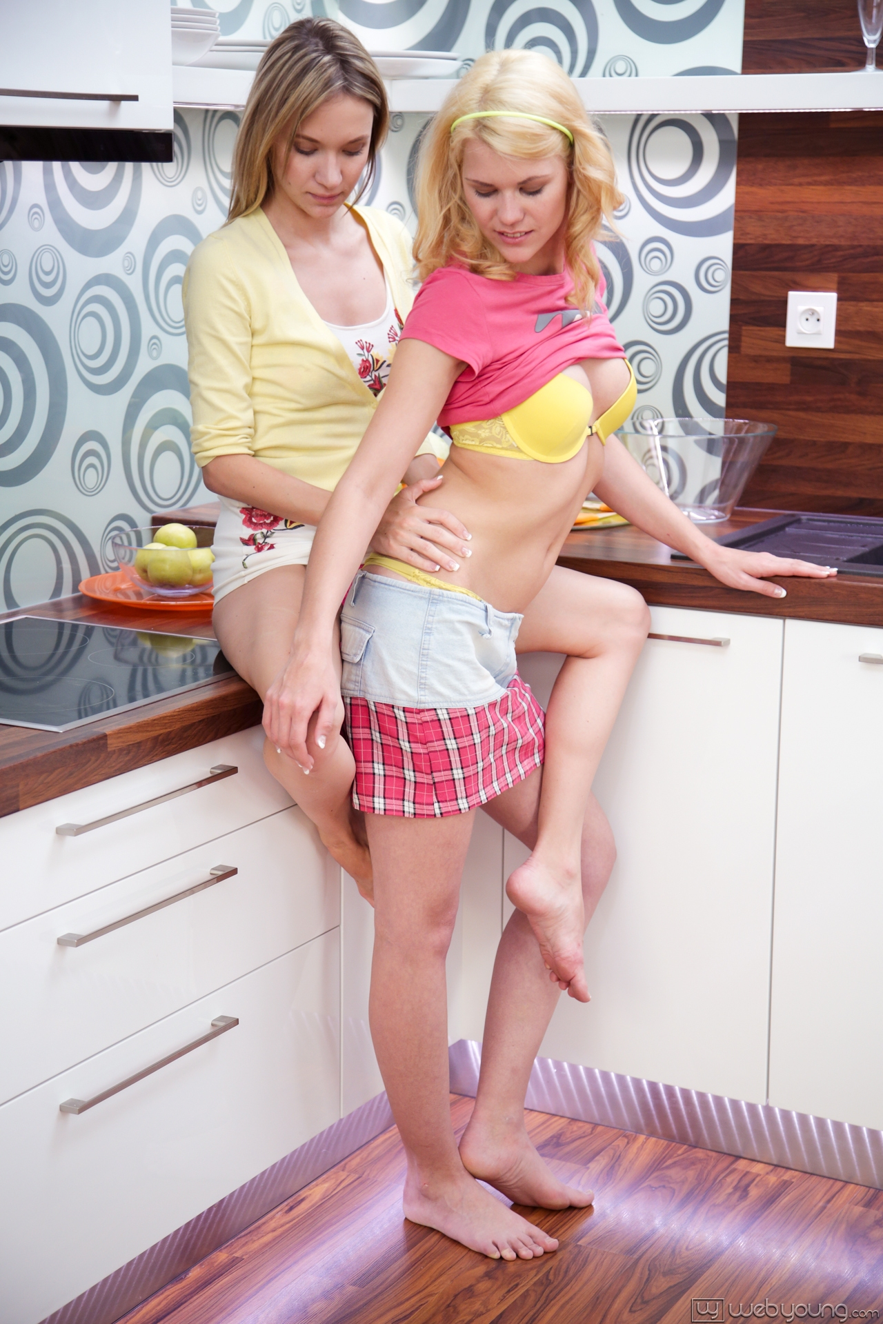 Angel piaff and delphine hot kitchen sex 4