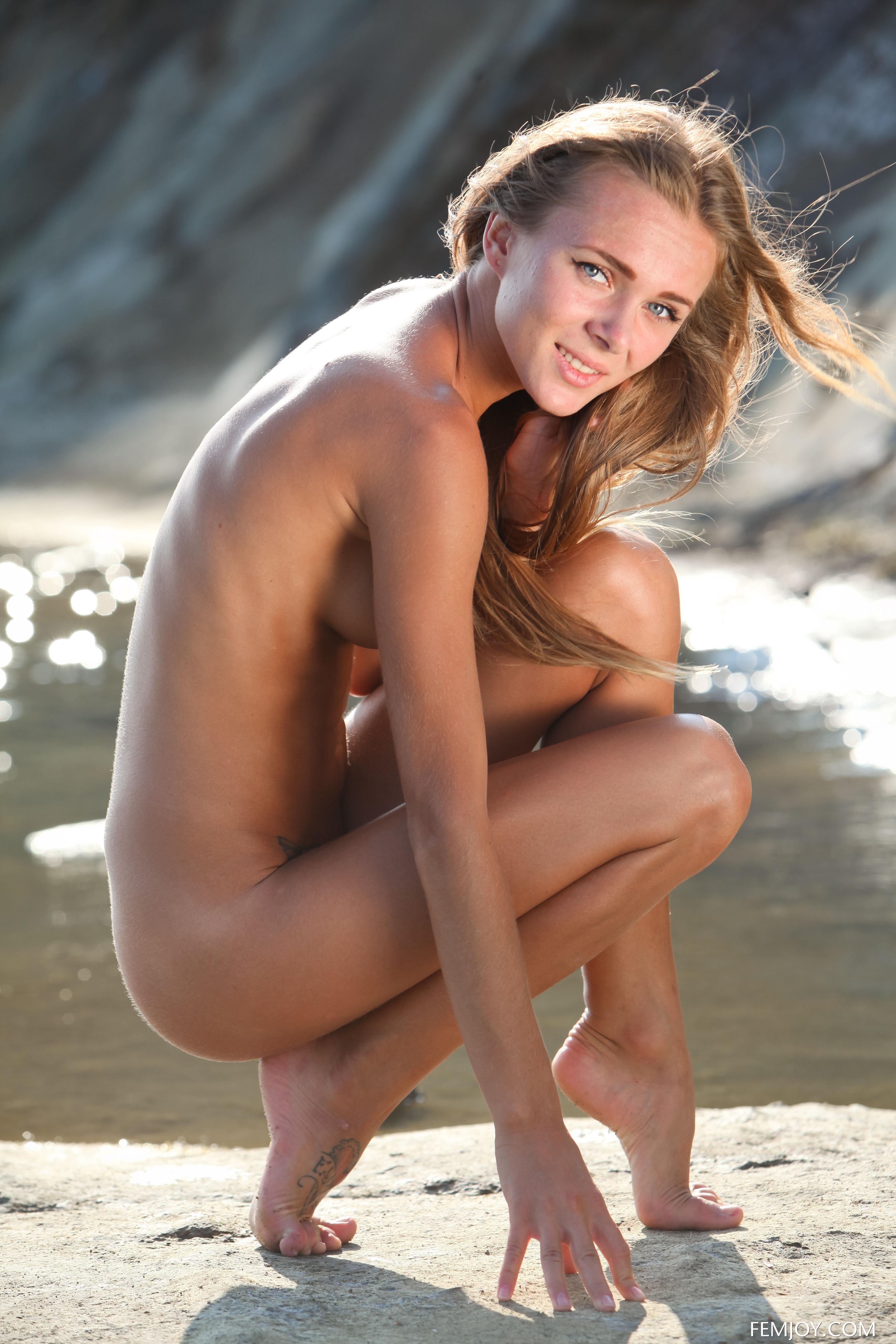 Hot nude bronze boobs